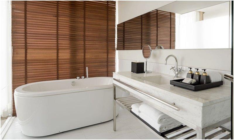 2-bedroom suite bath JC Kevin Sathorn Bangkok Hotel