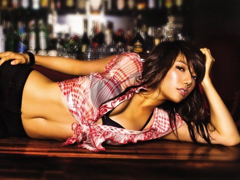 hot bar girl