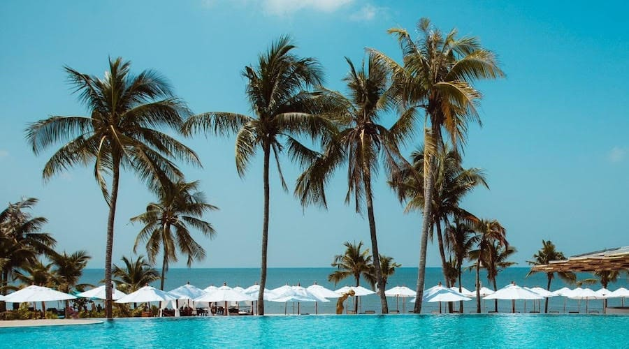 seafront pool in Pattaya