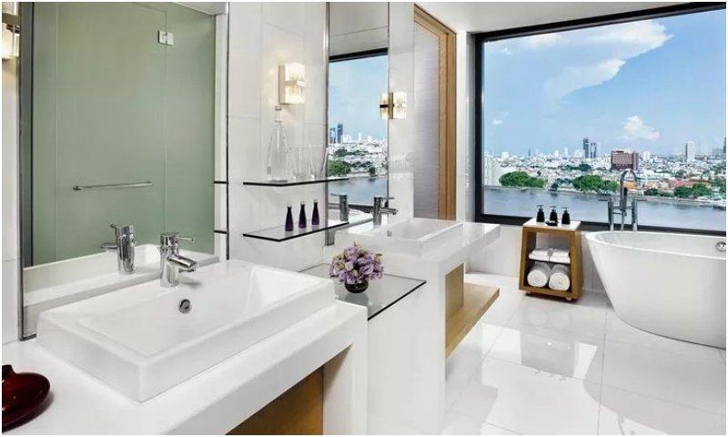 Avani River View Junior Suite bathroom