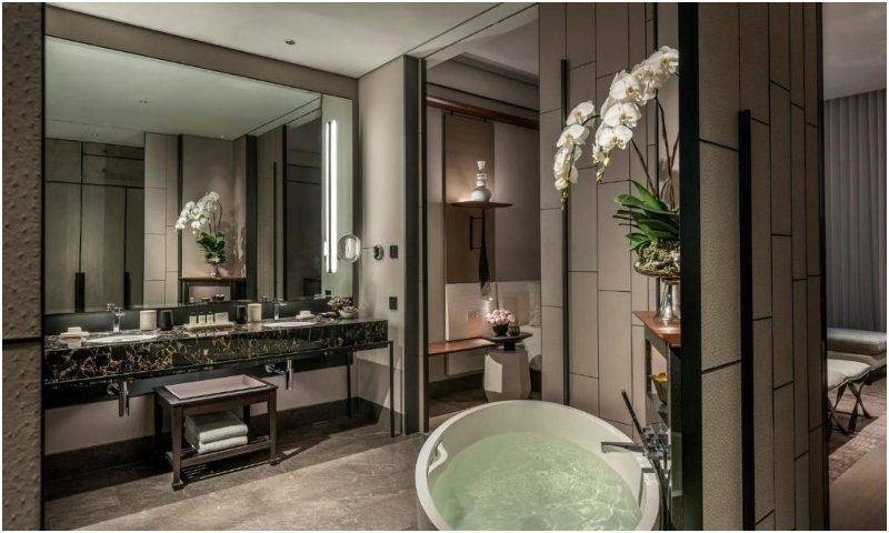 Bathroom Four Seasons Hotel Bangkok