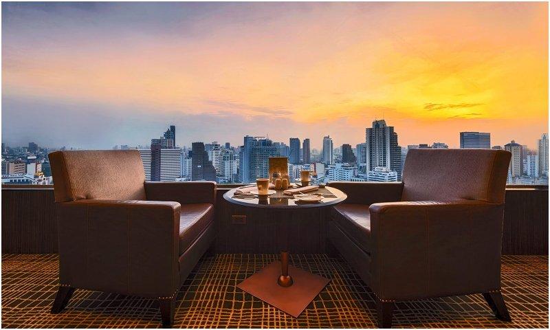 Club Lounge Landmark Bangkok