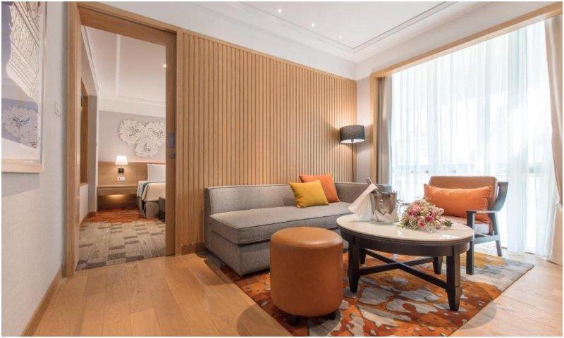 Elite suite lounge