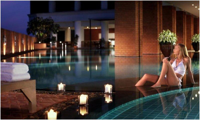 Lebua swimming pool