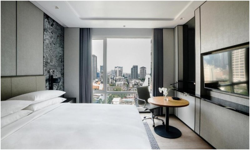 M Suite at Bangkok Marriott Hotel The Surawongse