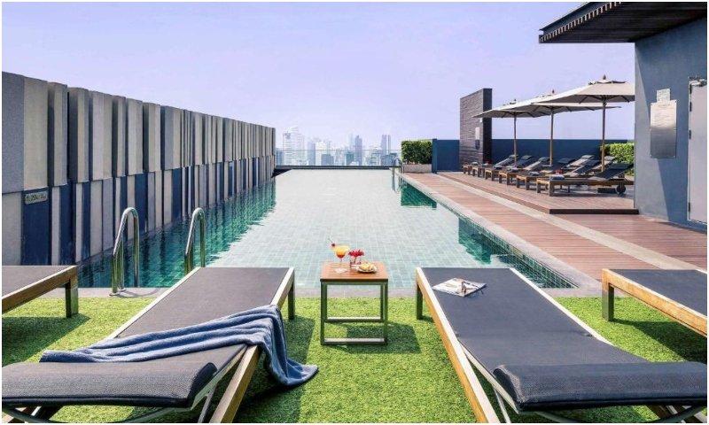 Mercure Bangkok Siam pool