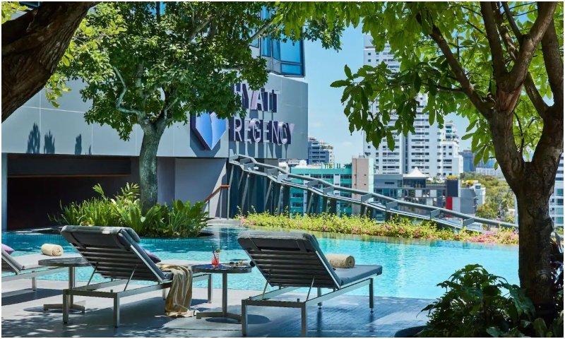 Outdoor pool Hyatt Regency Bangkok Sukhumvit