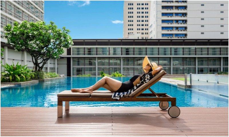 Outdoor pool Pullman Bangkok King Power
