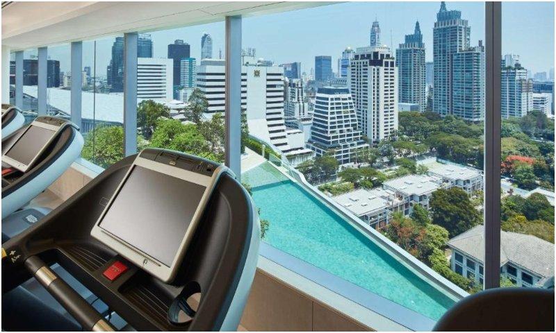 Pool & fitness center Park Hyatt Bangkok