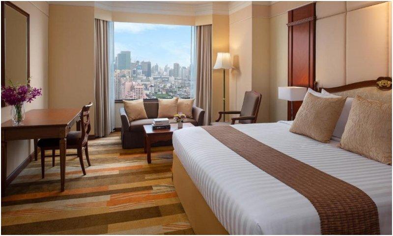 Ratchada Suite Emerald Hotel