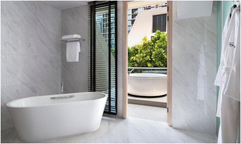 Sindhorn Presidential Suite bathroom