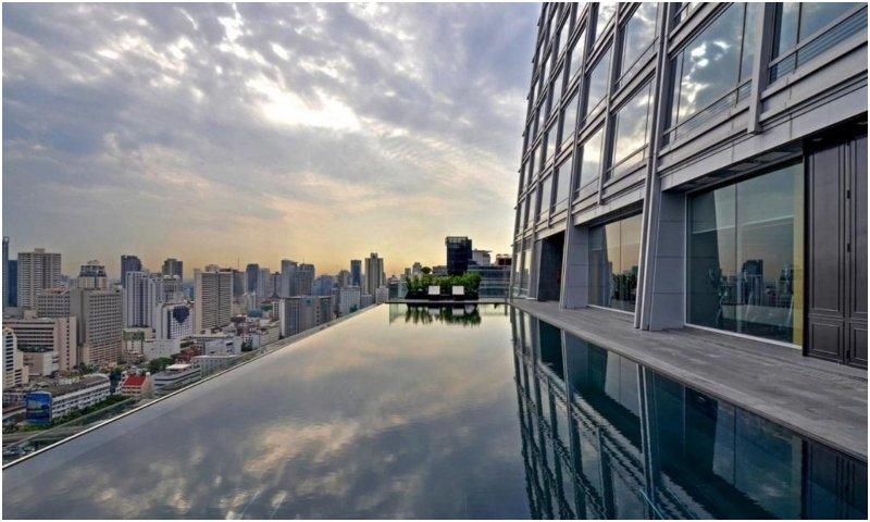 Swimming pool Okura Prestige Bangkok