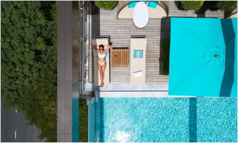 VIE Hotel Bangkok infinity pool