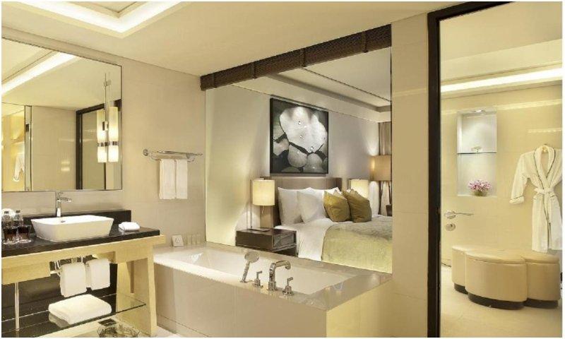 marble bathroom at Siam Kempinski Hotel Bangkok