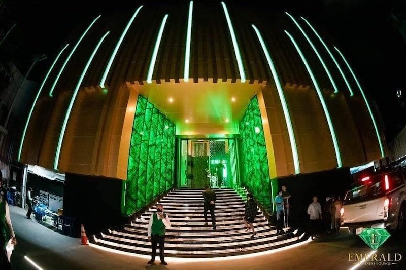 outside entrance of Emerald Club Thonglor