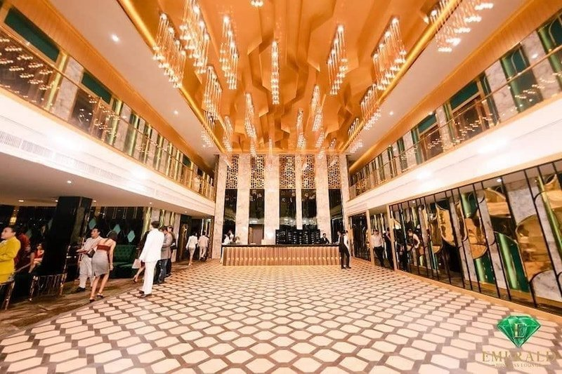 entrance hall of Emerald Club in Thonglor soi 13