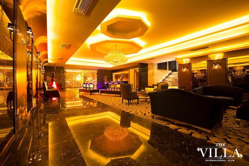 entrance of the villa Club in Bangkok