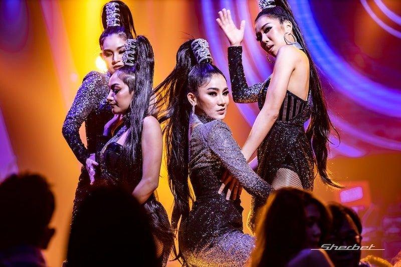 Sexy Thai dancers at Sherbet Club in Bangkok