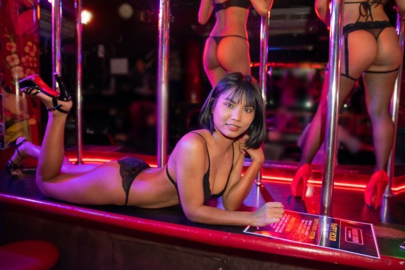 girl on stage at Suzie Wong Soi Cowboy